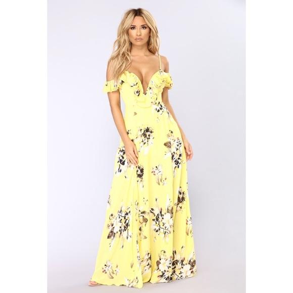 Fashion Nova Beauty Queen Maxi Dress: Gorgeous Yellow Floral Maxi Dress